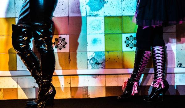 Going. | Królowa wanny - Teatr Barakah / ArtCafe Barakah