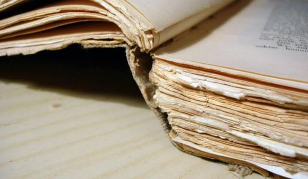 Going.   Naprawa zniszczonych książek - Gruv Art - Teatr