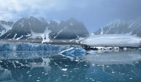 Going. | Przedsionek Arktyki - Opłynąć Spitsbergen
