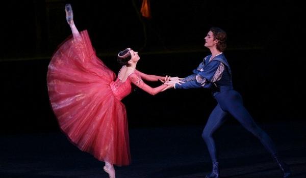 Going. | Romeo i Julia - transmisja spektaklu baletowego z Teatru Bolszoj
