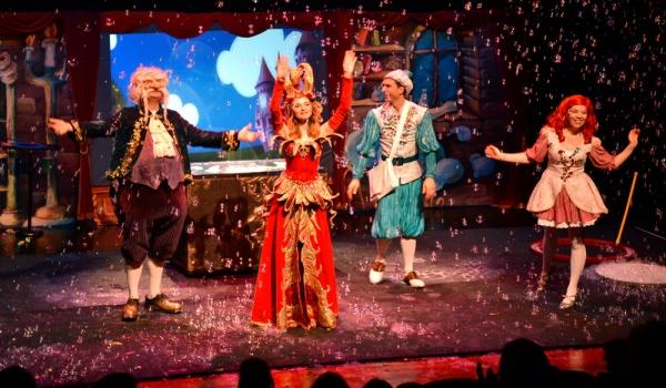 Going. | Teatr Baniek Mydlanych - Dziwactwa Mistrza Bulbulasa
