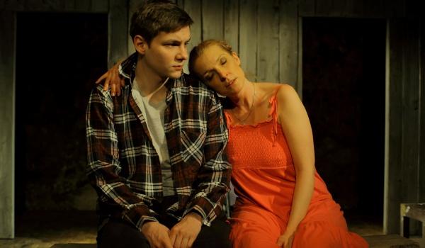 Going. | Sąsiedzi - Teatr Ludowy - Scena pod Ratuszem