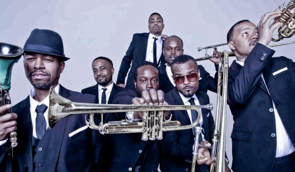 Going. | Hypnotic Brass Ensemble - Niebo