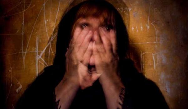 Going. | Requiem - Teatr Barakah / ArtCafe Barakah