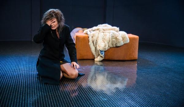 Going. | Bez wyjścia - Teatr Dramatyczny m. st. Warszawy - Scena Przodownik