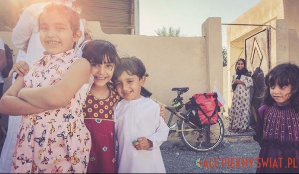 Going. | Nieturyści – Oman na rowerze z bambusa - PROM Kultury Saska Kępa