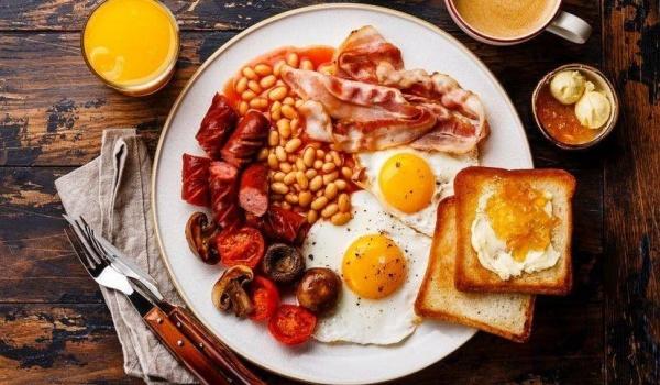 Going.   Angielski Bufet Śniadaniowy w Casablance - Casablanca Biały Kamień