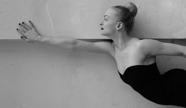 Going. | Monochromatycznie - Teatr Druga Strefa