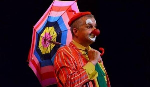 Going. | Klaun w balonie - Teatr Szczęście
