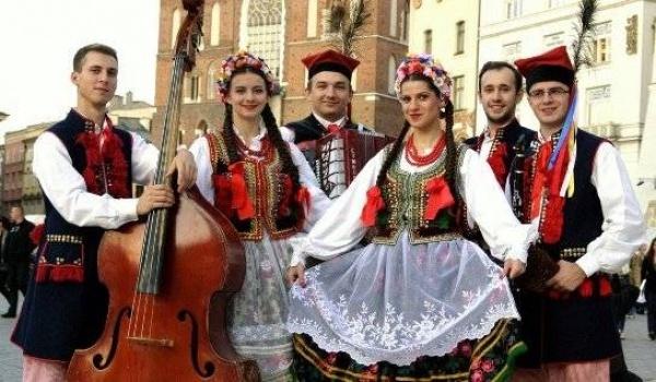 Going. | Kraków Folk Show - koncert muzyki folklorystycznej - Restauracja Tradycyja