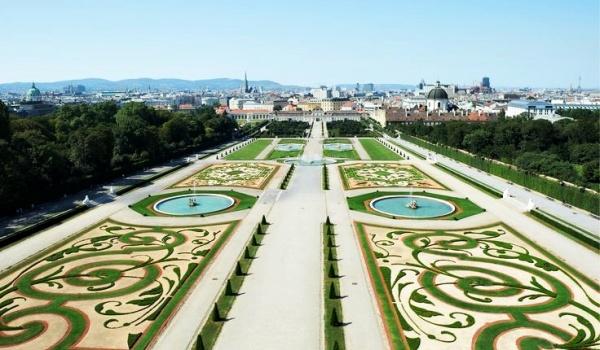 Going. | Idź na spacer! - Ogrody Pałacu Branickich