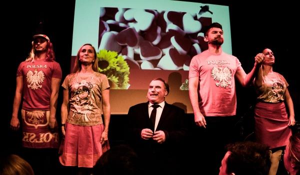 Going. | NWM 10 Elementarz polskiego patrioty - Teatr Barakah / ArtCafe Barakah