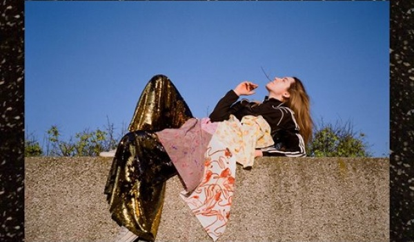 Going. | Premierowy One Woman Musical / KAROLINA CZARNECKA + UV/Solarium2.0 - Hydrozagadka