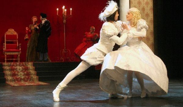 Going. | Kopciuszek - Teatr Muzyczny