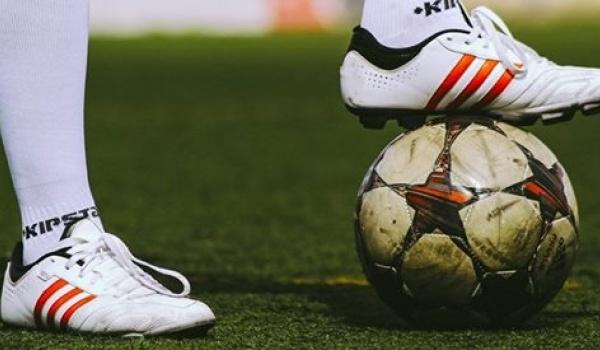 Going. | Czwartkowa premiera: B-klasa – Improwizowane emocje piłkarskie - Klub Komediowy