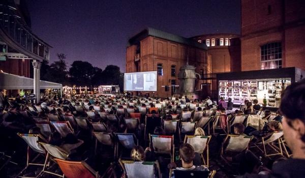 Going. | Kino letnie w parku Starego Browaru - Stary Browar