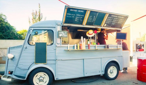 Going. | Zlot Food Truck'ów połączony z potańcówką i kinem plenerowym. - Plac Imbramowski