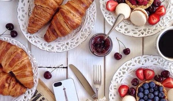 Going. | Francuski bufet śniadaniowy w Casablance - Casablanca Biały Kamień