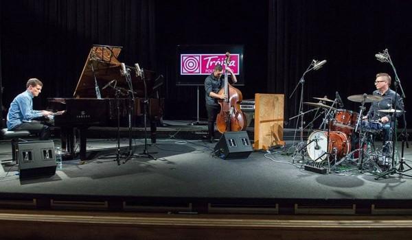 Going. | Tubis Trio - 12on14 Jazz Club