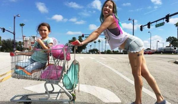 Going. | The Florida Project - Kino Letnie w Orłowie - Kino Letnie w Orłowie