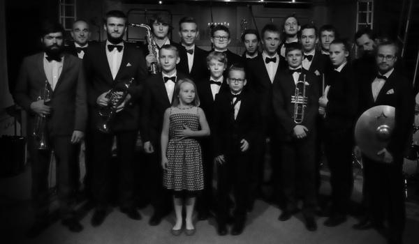 Going. | Orkiestra Klezmerska Teatru Sejneńskiego + Legowelt • Lado w Mieście 2018 vol. 9 - Plac Zabaw