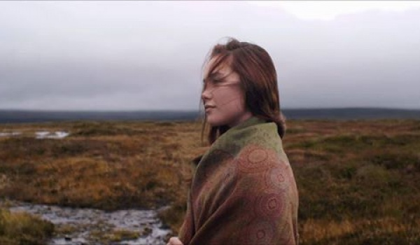 Going. | Kino na Tarasie | Na Wyspach Brytyjskich - Kino Agrafka