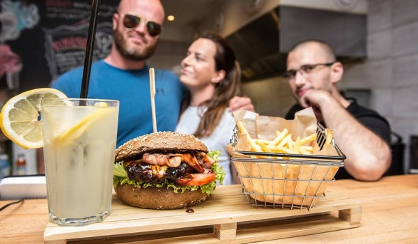 Going. | Burger, fryty i napój za 25 zł - MyBurger