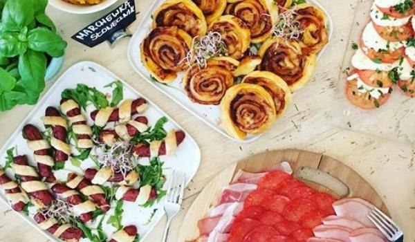 Going. | Niedzielny Bufet Śniadaniowy - Republika Róż