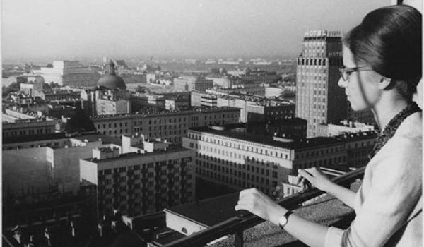 Going. | Miasto kobiet // wycieczki po Warszawie - Dom Spotkań z Historią