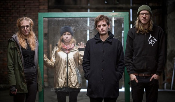 Going.   Petrol Girls / SIKSA / Limp Blitzkrieg - Klub Pod Minogą
