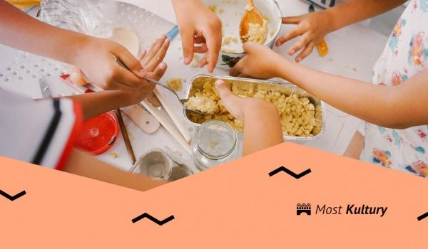 Going. | Gotowanie na dywanie - warsztaty kulinarne - Most Kultury