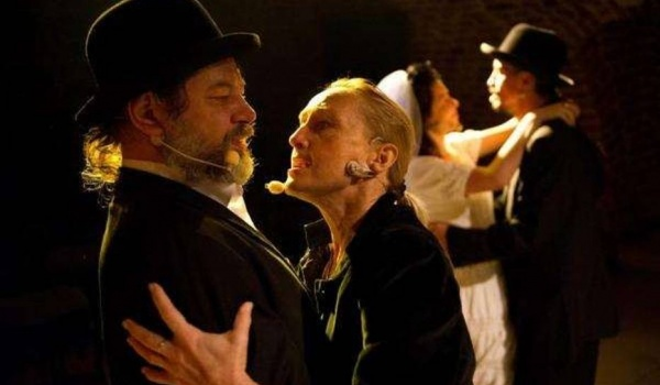 Going. | Szyc - Teatr Barakah / ArtCafe Barakah