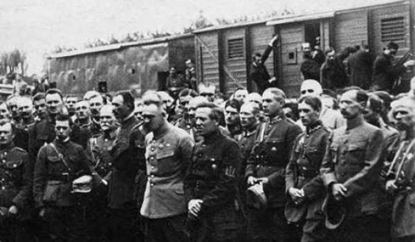 Going.   Rozpad imperiów. Europa Środkowo-Wschodnia w latach 1918-1923 - Instytut Historyczny Uniwersytetu Wrocławskiego