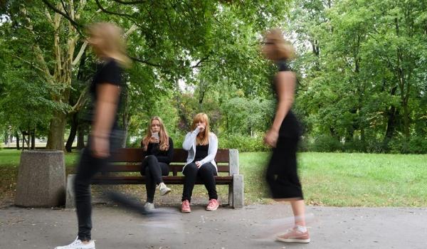 Going. | Trzy grosze. Młodzież się wtrąca - Teatr Miniatura