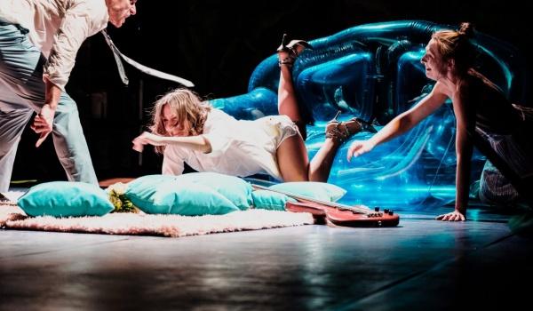 Going. | Pijani - Teatr Współczesny w Szczecinie