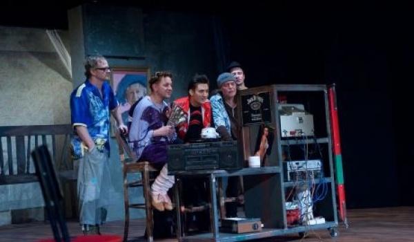 Going. | Kogut w Rosole - Teatr Polski