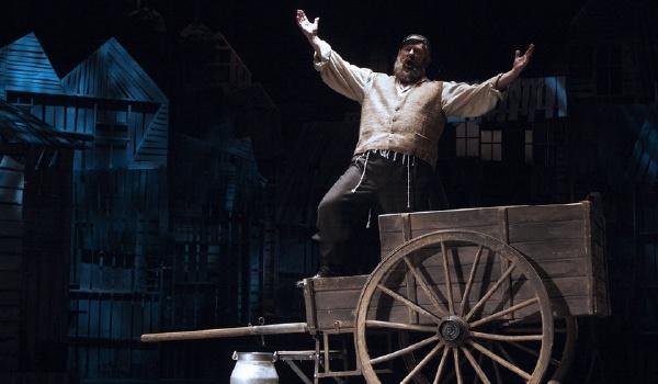Going. | Skrzypek na dachu - Teatr Wielki im. Stanisława Moniuszki