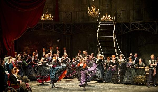 Going. | Traviata - Teatr Wielki im. Stanisława Moniuszki