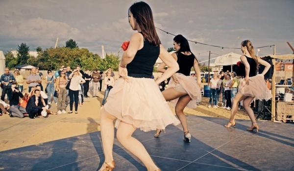 Going. | Bezpłatne warsztaty tańca Chacha, chachacha na Bulwarach - Bulwary Szczecińskie
