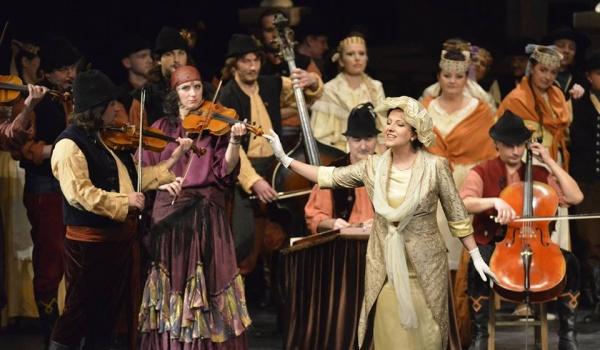 Going. | Hrabina Marica - operetka Imre Kálmána - Opera Nova