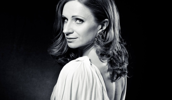 Going. | Anna Sroka Hryń / piosenki z repertuaru Ewy Demarczyk - Teatr Stary w Lublinie Profil Oficjalny