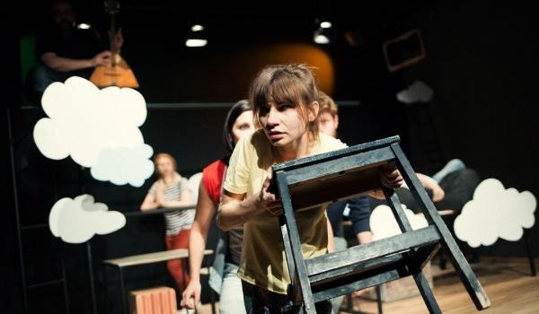 Going. | Teatr Czytelni Dramatu: Brak sensu, Aniołek, Żyrafa i stołek - Centrum Kultury w Lublinie