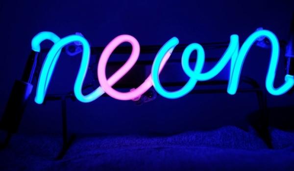 Going. | Neonowe opowieści - warsztaty dla dzieci - Muzeum Sztuki Nowoczesnej