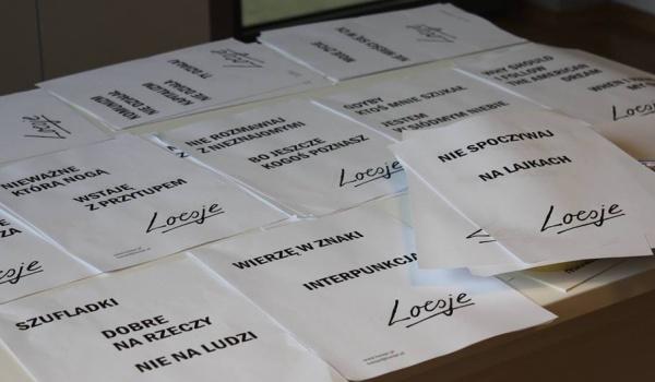 Going. | Loesje - warsztaty redakcji końcowej & nowa seria plakatów - Centrum Praskie Koneser