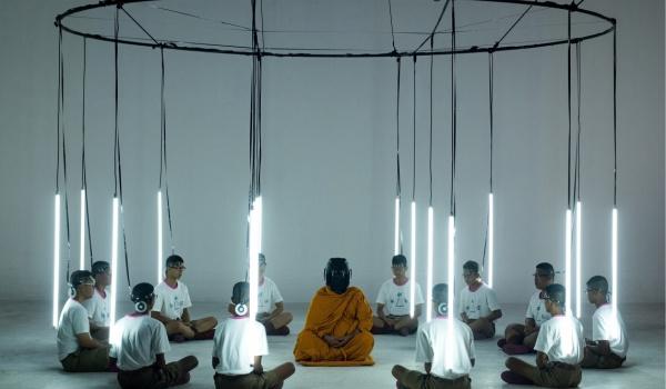 Going. | Dziesięć lat: Tajlandia - Kinoteka Sala 2