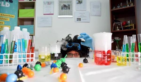 Going. | Wybuchowe warsztaty chemiczne dla dzieci - Ośrodek Kultury Ruczaj