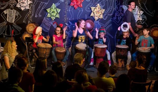 Going. | Smyki Afryki - warsztaty gry na bębnach afrykańskich dla dzieci - Folk'n'Roll