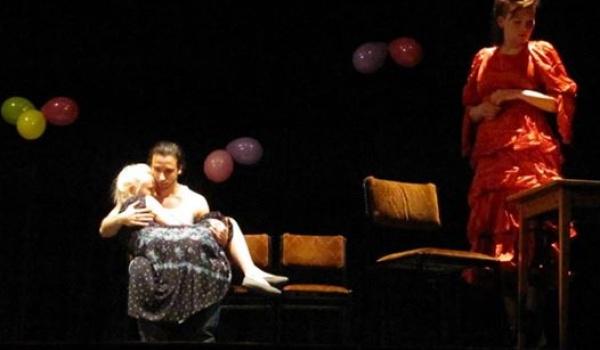 Going. | Trzęsienie ziemi - Teatr Nie Ma