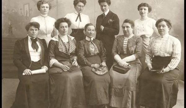 Going. | Kobiety w Polsce lat 20-tych i 30-tych - Muzeum Historii Żydów Polskich POLIN