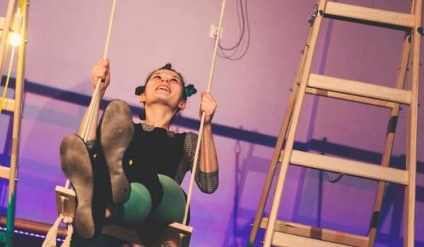 Going. | Teatr Bąbli: Huśtawka - Wrocławskie Centrum Twórczości Dziecka
